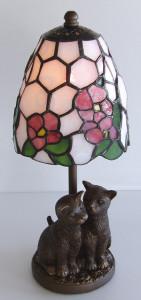 猫のベースのランプ