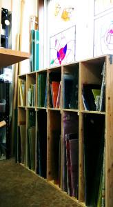 工房のガラス用棚